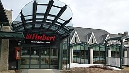 Visite du St-Hubert de Québec sur la rue Bouvierdu Casino de Charlevoix à la Malbaie